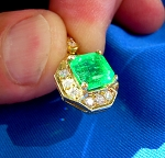 Designer Hand Made Precious Natural Emerald and Diamonds Art Deco Halo Pendant Necklaces 18k solid Gold halo setting